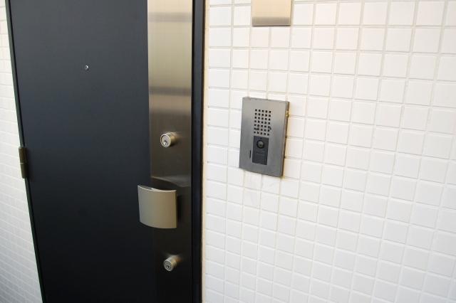 玄関リフォームの費用